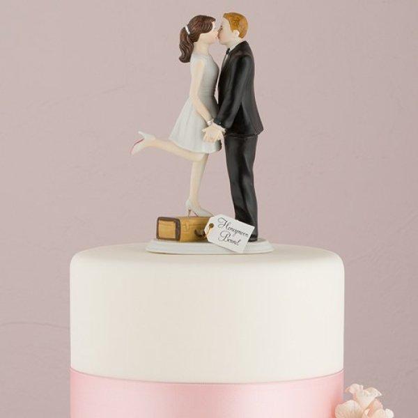 画像1: ウエディングケーキトッパー/トランクに乗ってキスする花嫁 (1)