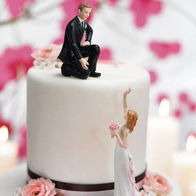 画像3: ウエディングケーキトッパー/手を差し伸べるカップル