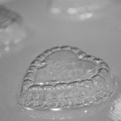 画像1: 〒 CK チョコレート型/ハートフリル