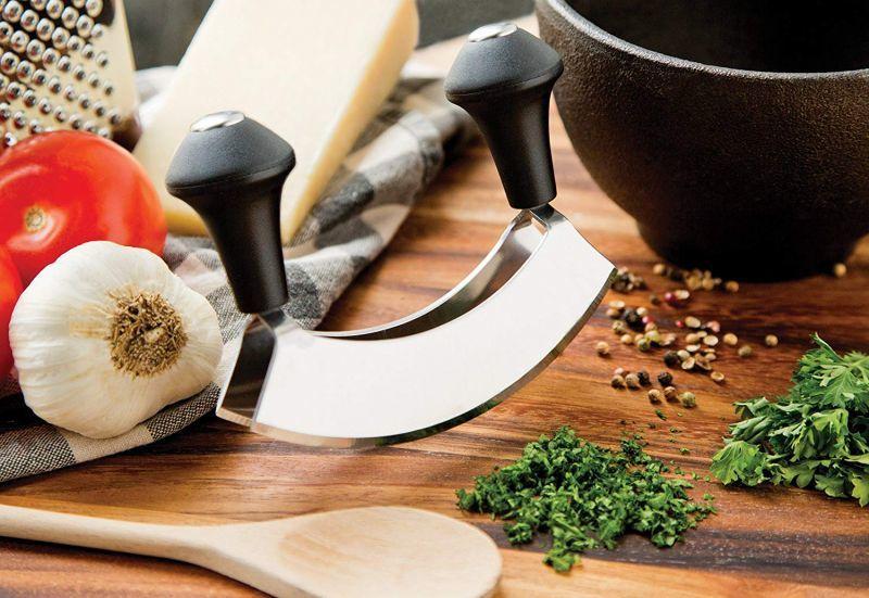 メッザルーナという調理器具を、チョップドサラダに使うのはどうなのか?