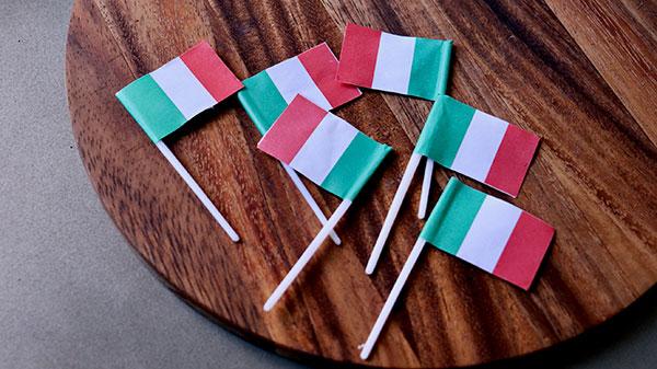 イタリアのケーキデコレーション