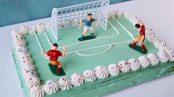 サッカー好き❤︎に喜んでもらえた「バースデーケーキ」の作り方ですが...