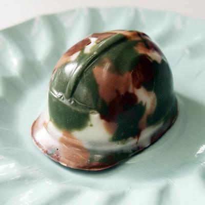 画像1: 〒 CK ボンボンショコラのチョコレート型/ヘルメット (1)