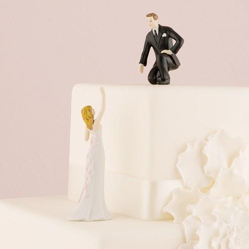画像1: ウエディングケーキトッパー/手を差し伸べるカップル (1)