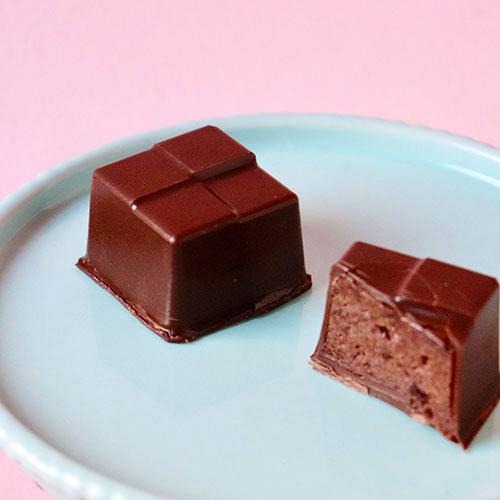 画像1: 〒 CK ボンボンショコラのチョコレート型/模様つきスクエア (1)