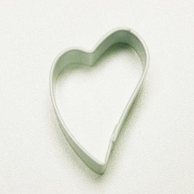 画像1: <SALE>〒 クッキー型★ミニ/すっきり斜めハート(白色) (1)